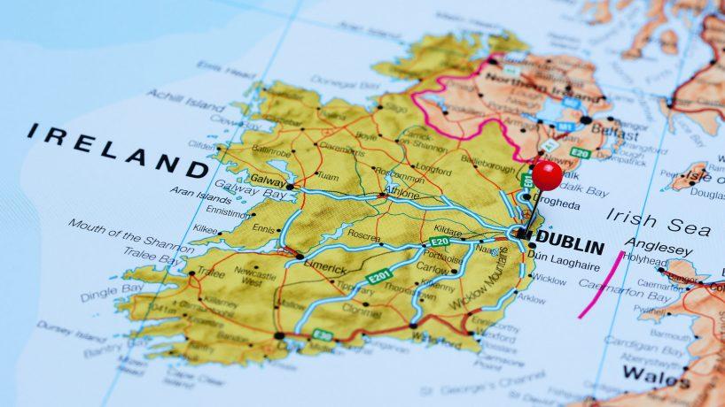 Cartes politiques physiques et touristiques de lIrlande