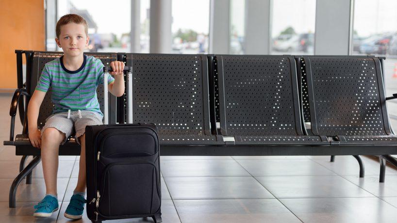 Enfants voyageant seuls en avion de quels documents ont ils besoin